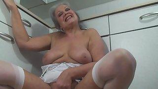 Sexy Mature Slut Fucks herself