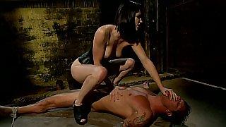 Bobbi Starr dominating
