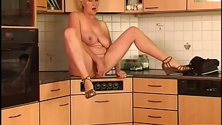 Janka - horny mature goes solo