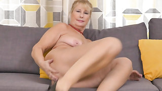 Euro granny Gigi finger fucks her old cunt