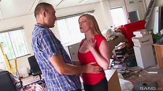 Holly Kiss got her knees dirty to lick a stiff manhood clean