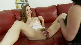 Brunette uses hair curlers on Sammy Grand's hairy pussy